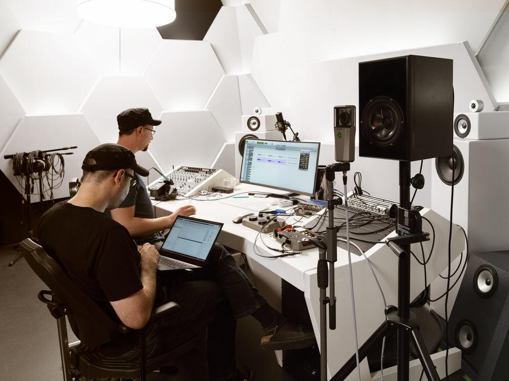 studio mic testing